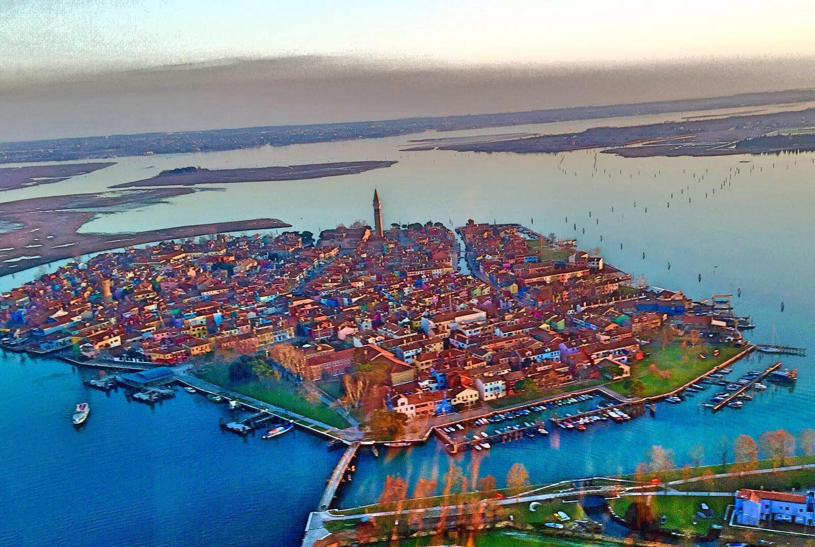 Elicottero Venezia : A volo d uccello circolo velico casanova venezia